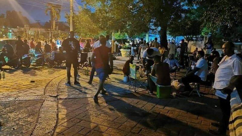 Cerrarán el Parque Central de Hato Mayor del Rey, para evitar que personas se reúnan a ingerir bebidas alcohólicas