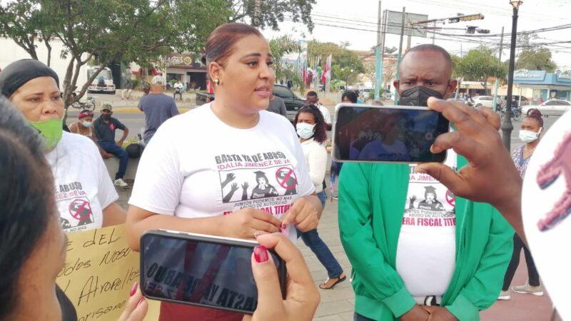 Manifestantes piden destitución de la Fiscal Titular de San Pedro de Macorís