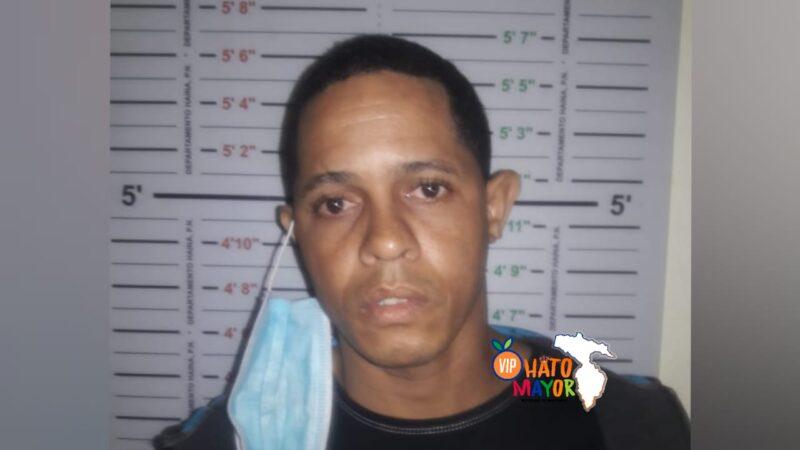 Apresan a José Manuel supuestamente por abusar sexualmente de una niña de 8 años en Los Hatillos de Hato Mayor