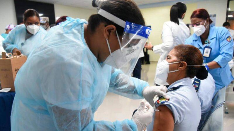 República Dominicana se encuentra entre cuatro países del continente Americano que logrará en 2021 vacunar a su población