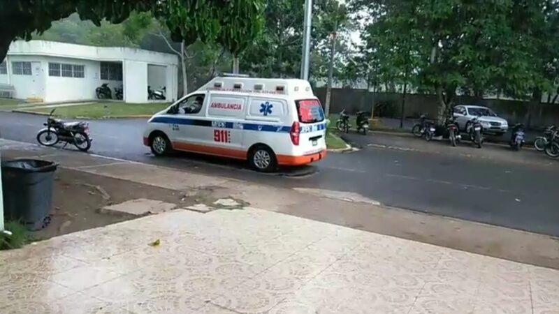 Cable del tendido eléctrico provoca que dos jóvenes resulten heridos en la carretera Hato Mayor-El Seibo