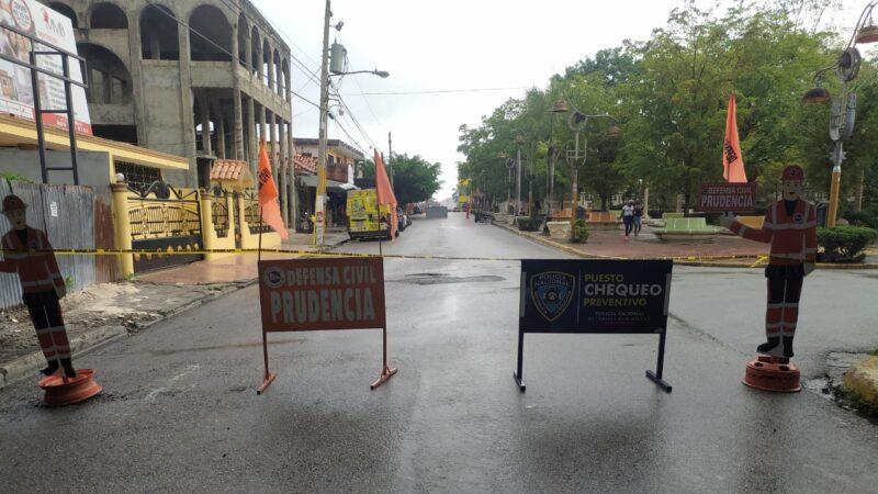 Autoridades empezaron el sábado con el cierre del parque Mercedes de la Rocha