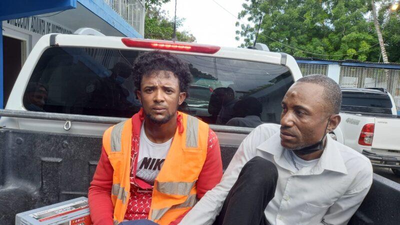 Apresan dos hombres de supuesta banda hipnotizan personas para robarles en SPM