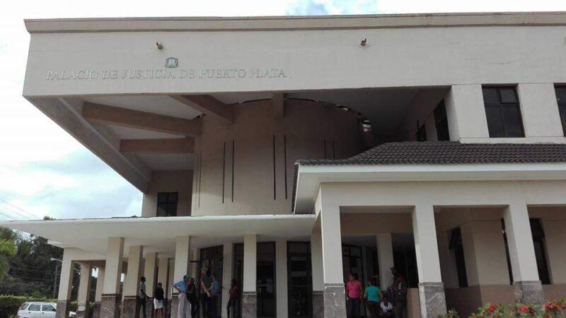 Prisión preventiva contra dos estadounidenses y un dominicano que retenían siete menores de manera ilegal