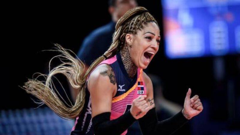 Brenda Castillo reacciona luego de la victoria dominicana frente a Turquía