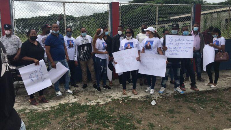 Familiares de hombre asesinado por atracadores en Mata Palacio de Hato Mayor exigen 40 años presión para culpables