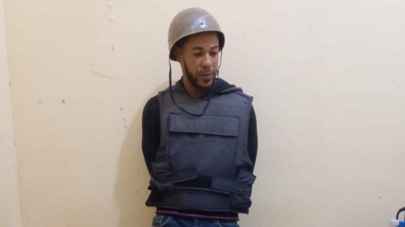 (VIDEO) Se entrega Bola acusado de participar en muerte del teniente y su esposa en Miches