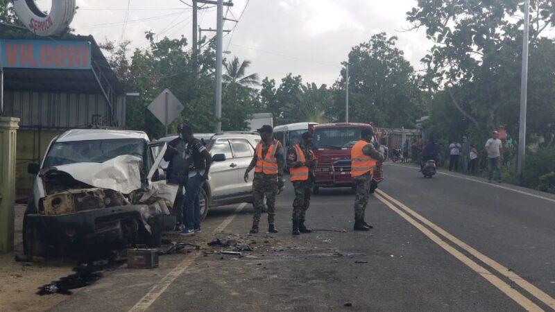 Triple accidente de tránsito deja una persona herida en la carretera Consuelo-Hato Mayor