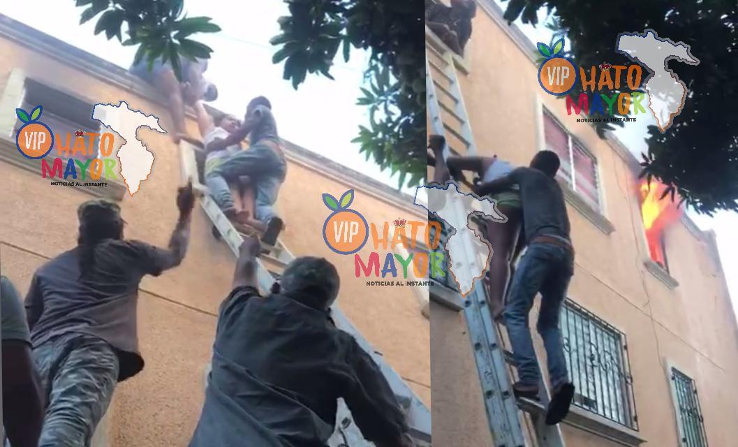 (VIDEO) Ciudadanos salvan tres niños y una joven de morir quemados en un siniestro que afectó un apartamento de tres pisos en Higüey