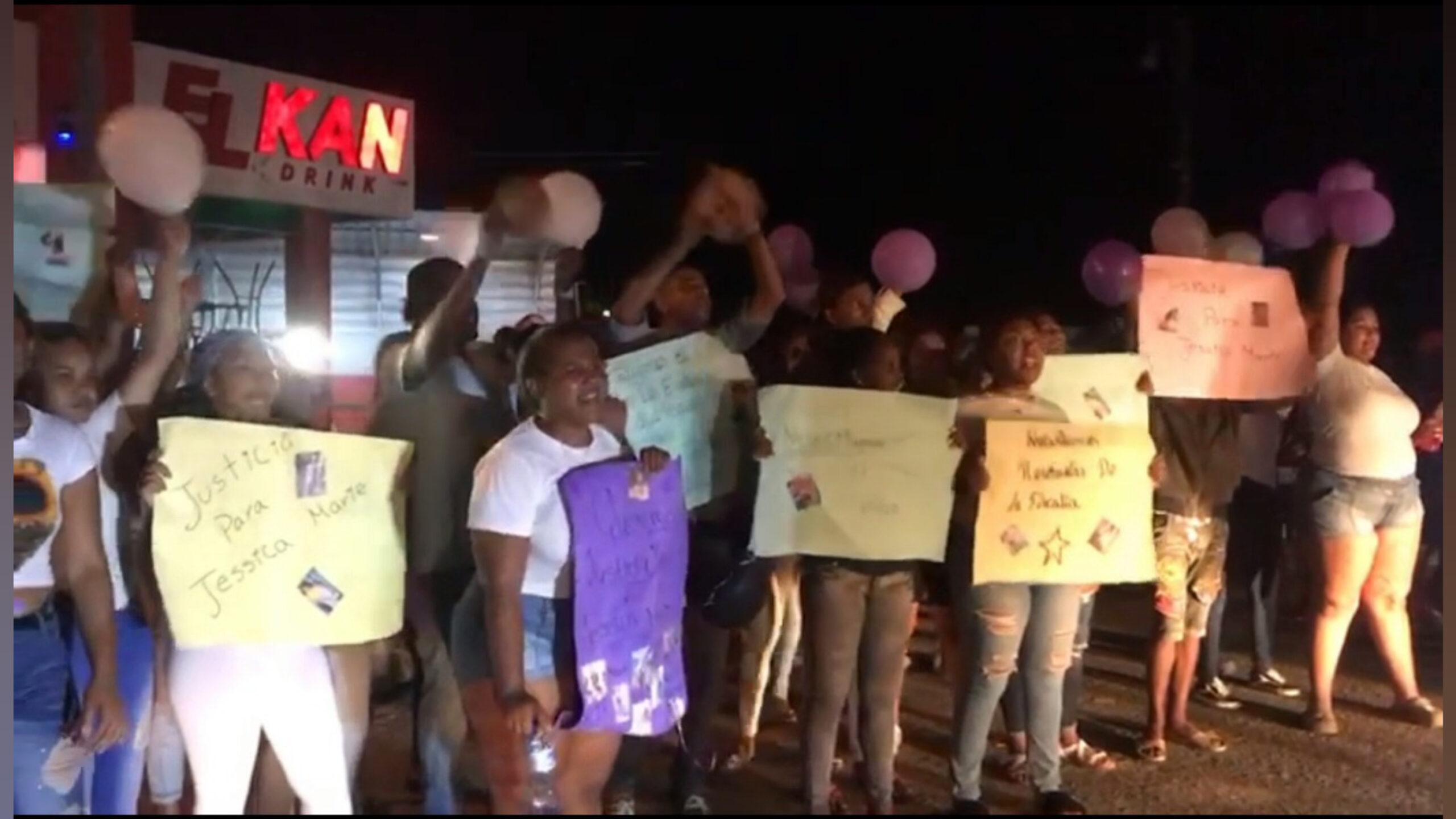 (VIDEO) Cientos de personas protestan por segundo día consecutivo exigiendo justicia por muerte de Jessica Marie en Sabana de la Mar