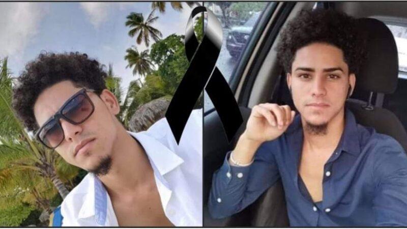 Hallan joven muerto con un cuchillo clavado en el pecho en el kilómetro 61 de la autopista Duarte