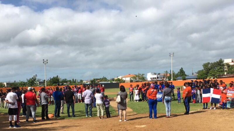 (VIDEO) Ligas de beisbol empiezan torneo en diferentes categorías en Hato Mayor