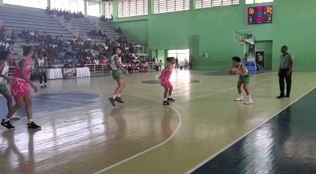 Las Reinas del Este aplastan a Las Olímpicas de La Vega 72 por 55 en el Torneo de la Liga Nacional de Baloncesto Femenino