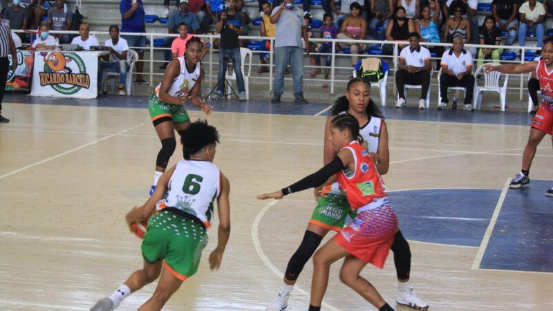 Las Reinas del Este imponen su fortaleza en casa y derrotan a Las Murallas de San Lazaro 80-62; siguen invictas 6-0 LNDF