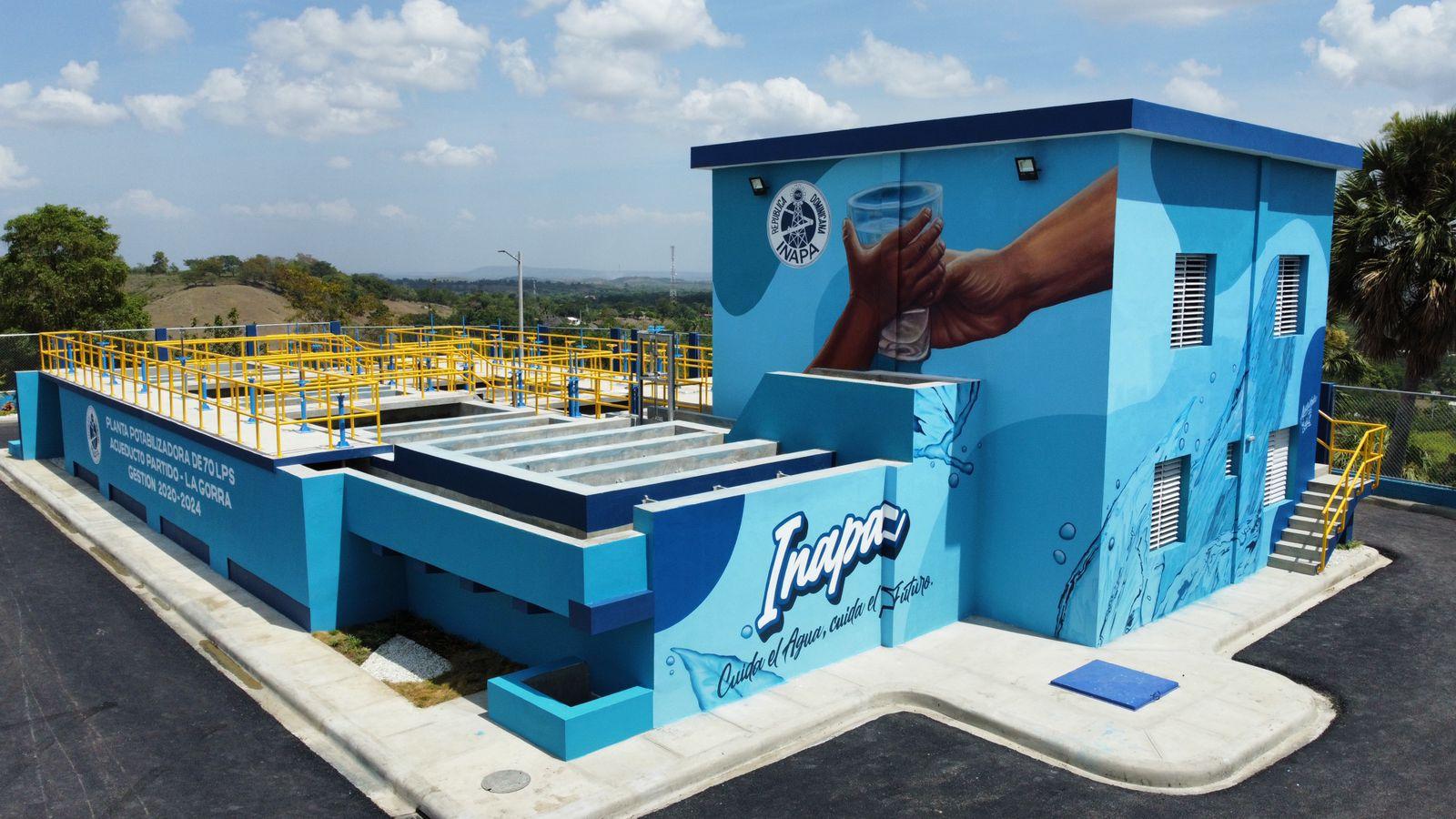 Presidente Luis Abinader y director del INAPA, Wellington Arnaud, inauguran planta potabilizadora y depósito regulador del acueducto Partido-La Gorra, provincia Dajabón