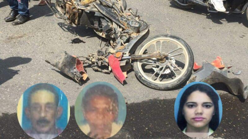 (VIDEO) Pareja de esposo resulta muerta en accidente de tránsito y otras cinco personas heridas