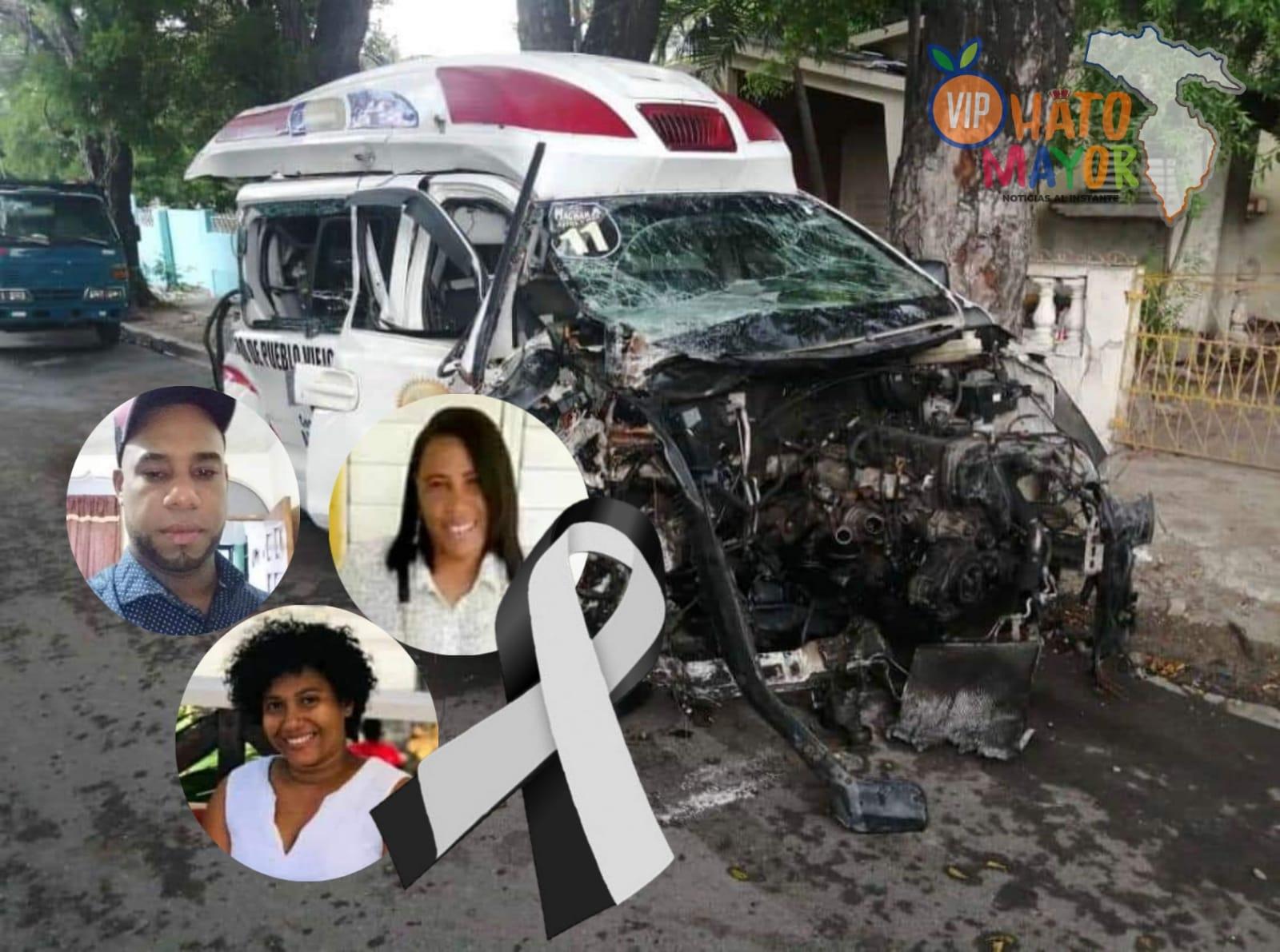 Tres personas perdieron la vida, cuando ambulancia que estos transportaban una persona grave se accidentó en Azua