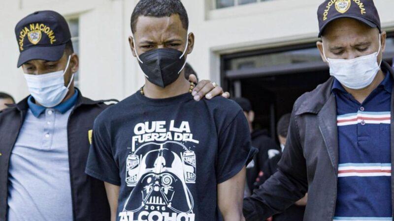 Se entrega supuesto implicado de decapitar tres hombres en Villa Riva
