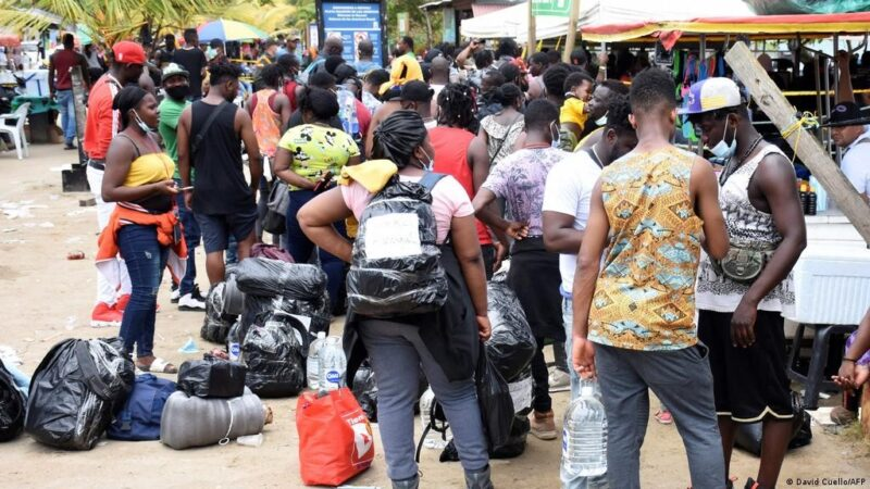 19,000 nacionales haitianos se encuentran varados en frontera de Colombia con Panamá