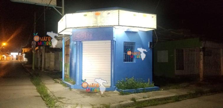 Atracan banca de loterías Loteka en Hato Mayor