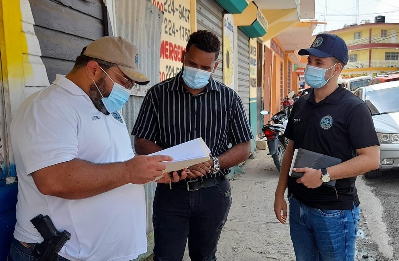 Fiscalía requiere cabo de la policía que amenazó periodista de Telenoticias en Yamasá