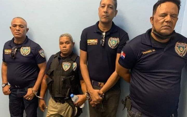 Apresan banda de asaltantes se vestían de policías para atracar en Bonao y Santo Domingo