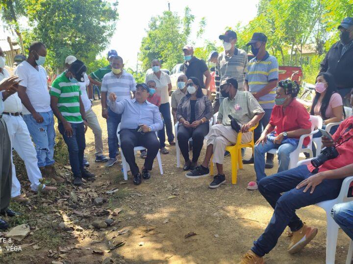 Senador Cristobal Castillo anuncia gobierno reiniciará construcción carretera Hato Mayor-El Puerto- Bayaguana