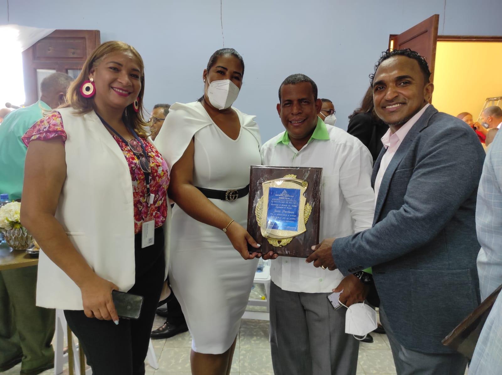 Gobernación SPM reconoce a alcalde de El Puerto de Juan Pacheco Mejía
